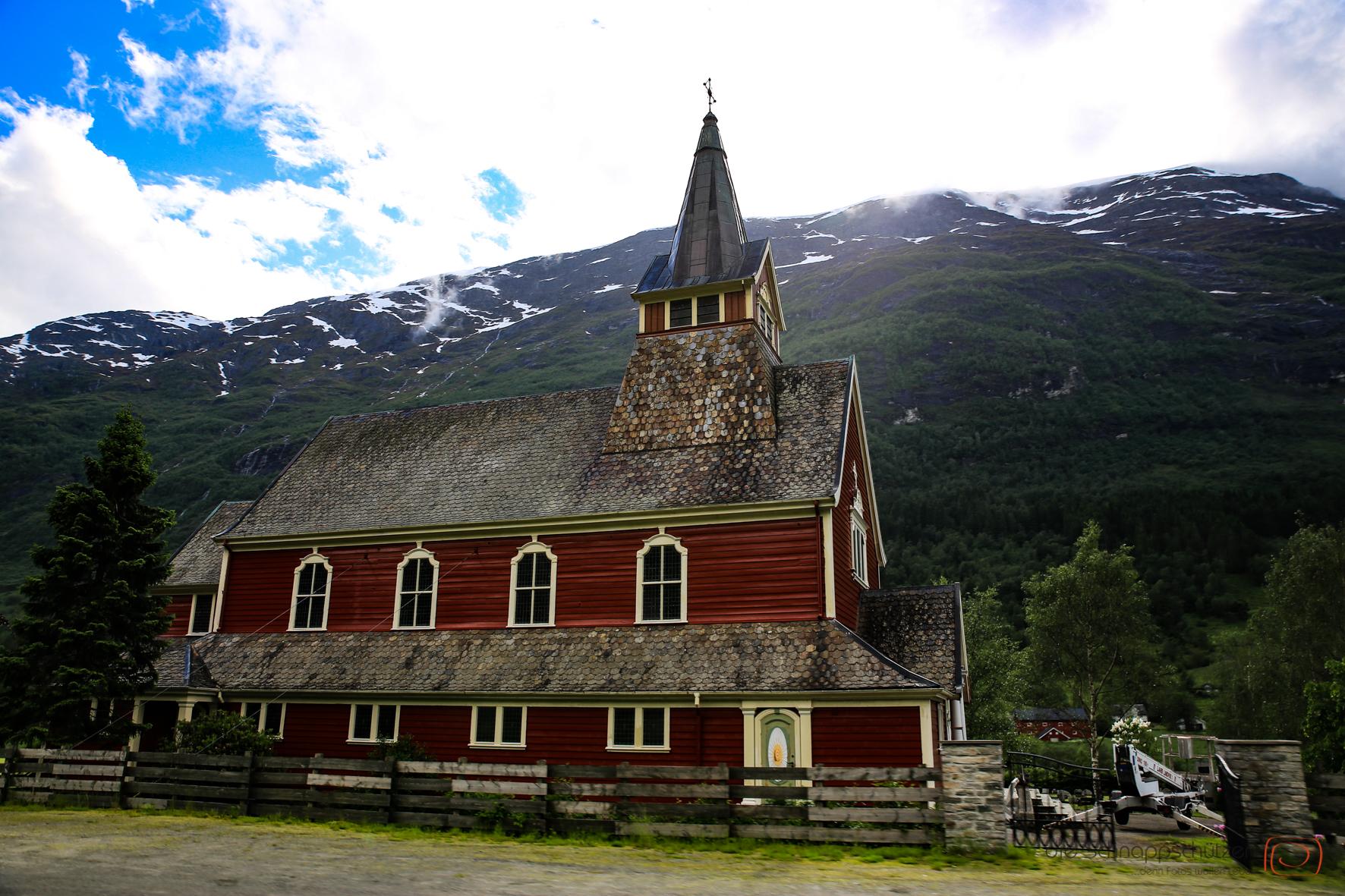 Holzkirche bei Olden